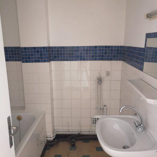 Novaclem - salle de bain avant travaux Mini loft Camas - Investissement Marseille